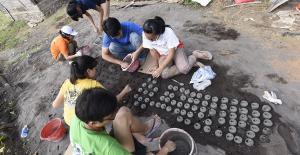 Bali Coral reef rebuilding-substrat making