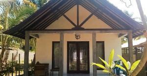 Bali Coral reef rebuilding- Food & Facilities