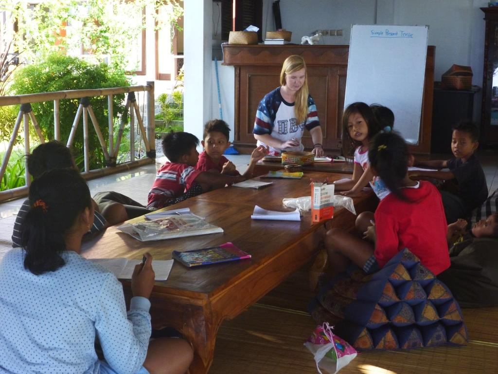 Volunteer Teaching English at Les, Bali